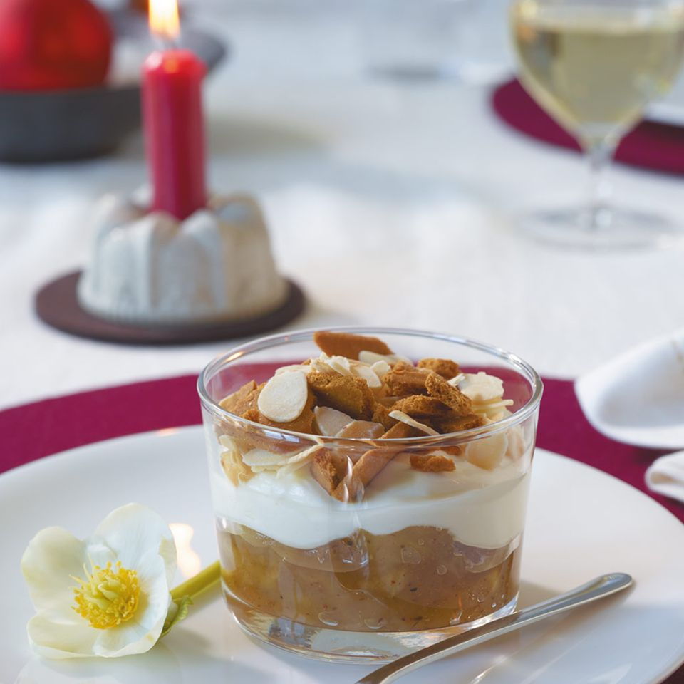 Apfel-Trifle mit Spekulatiusgewürz