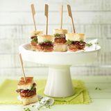 Mini-Focaccia-Burger mit Salsiccia