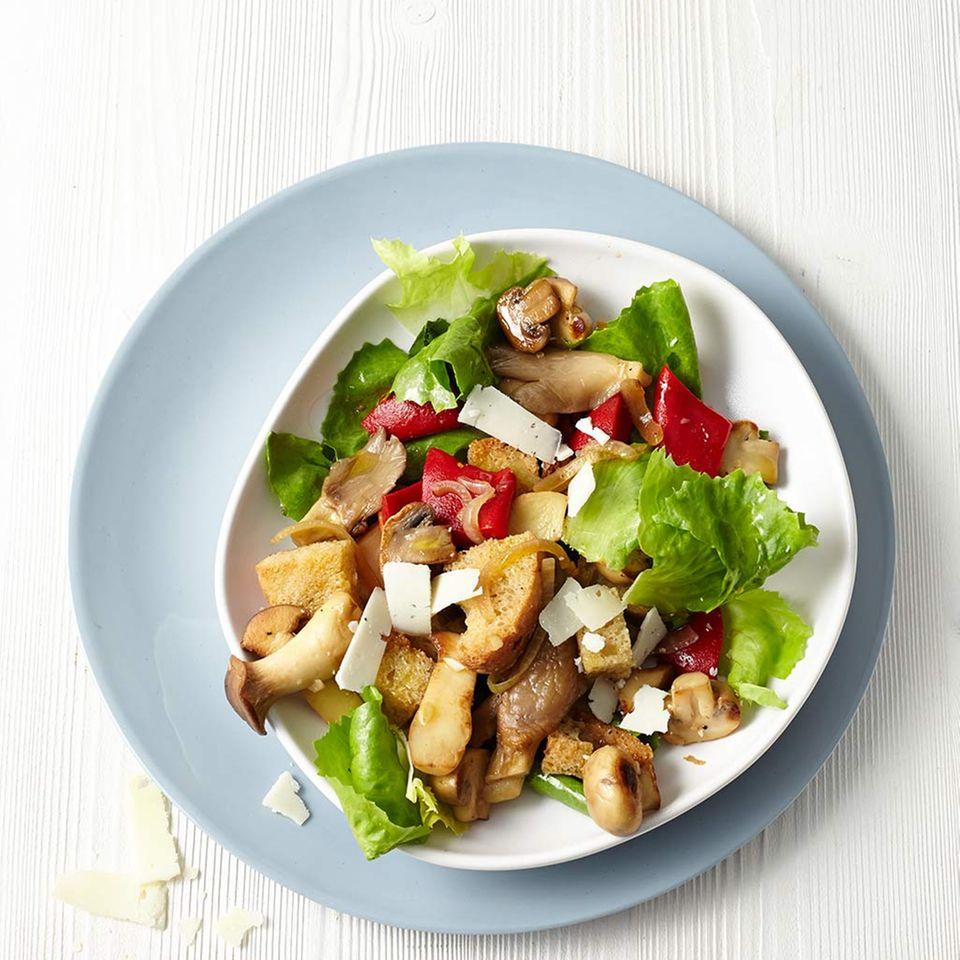Pilz-Brot-Salat mit Endivie