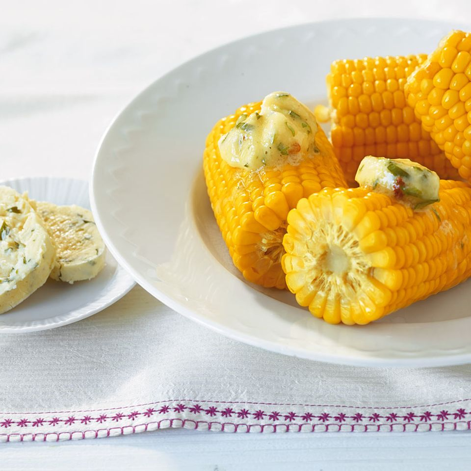 Maiskolben mit Parmesanbutter