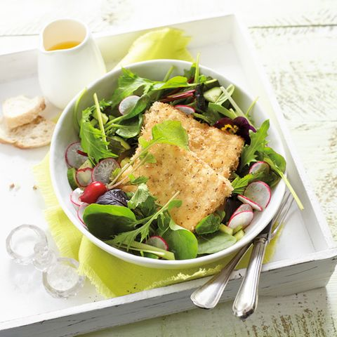 Gebratener Feta mit Wildkräutersalat