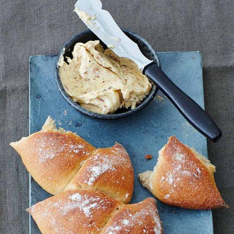 Sardellen-Pfeffer-Butter