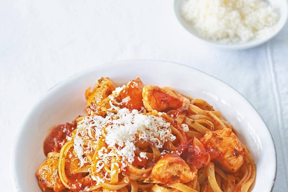 Tomatennudeln mit Hähnchen Rezept