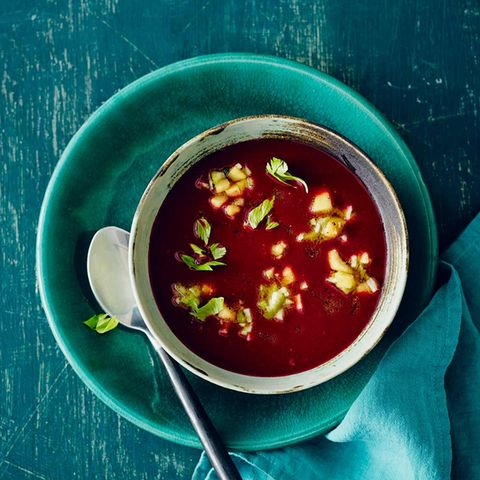 Rote-Bete-Aroniabeeren-Suppe