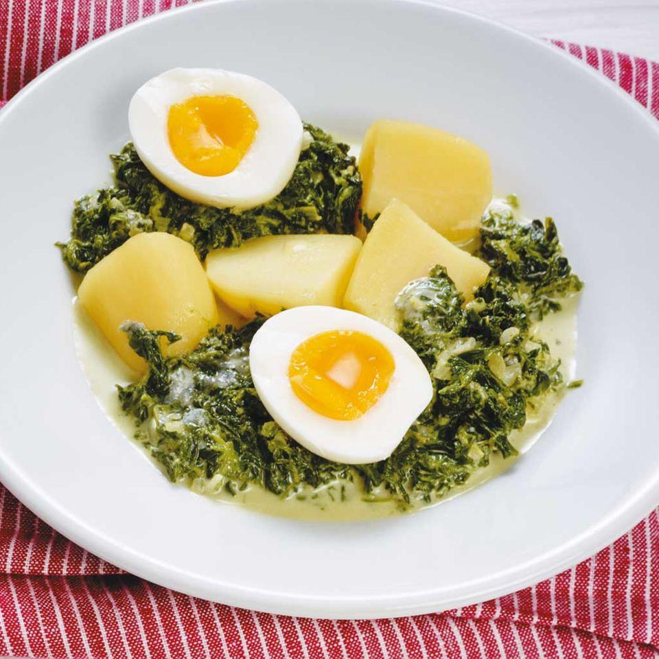 Eier auf Gorgonzola-Spinat