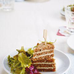 Frischkäse-Ecken mit Salat