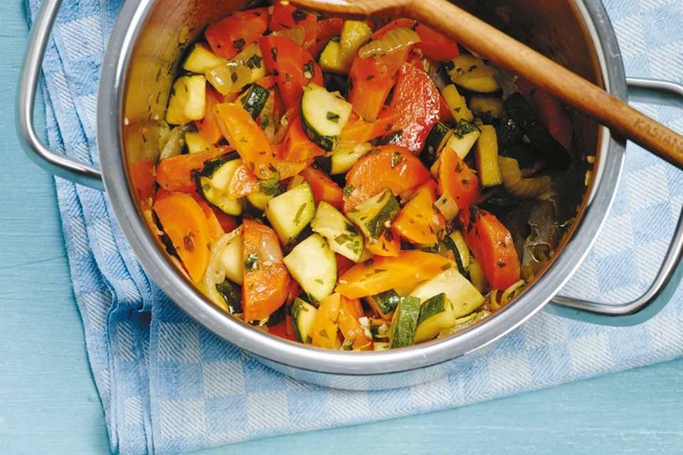 Zucchini-Möhren-Gemüse Rezept