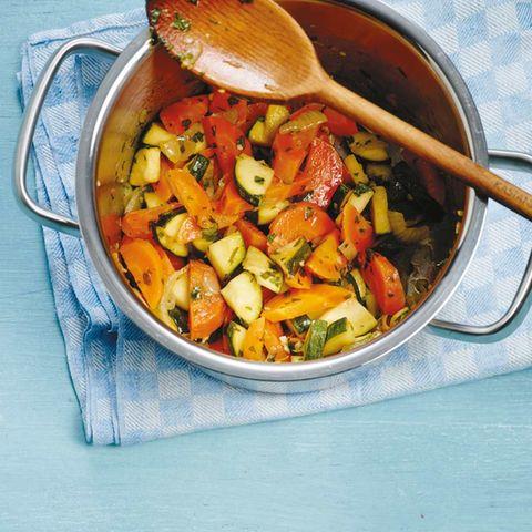 Zucchini-Möhren-Gemüse