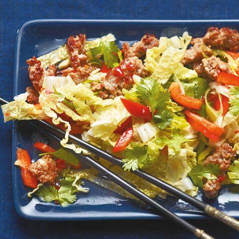 Chinakohlsalat mit Mett