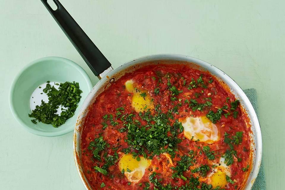 Shakshuka (Pochierte Eier in Tomatensauce) Rezept
