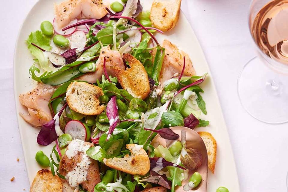 Salat mit Aromen-Saibling Rezept