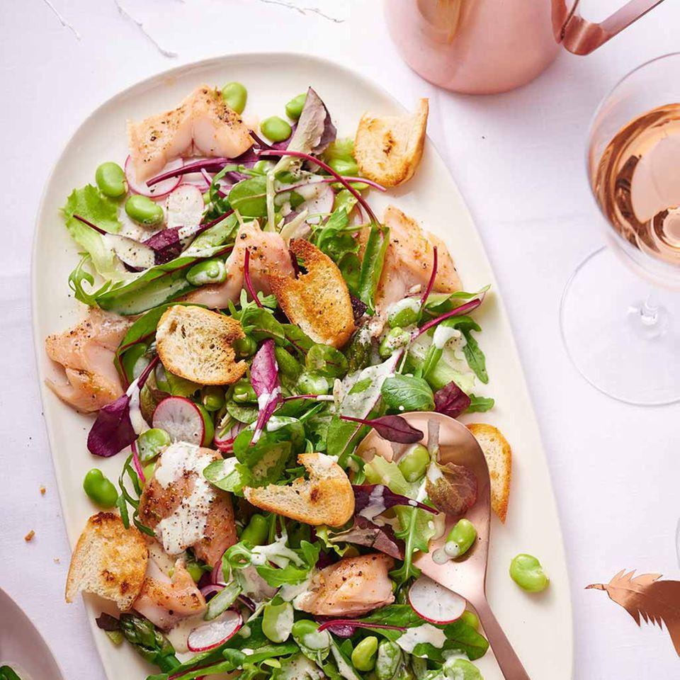 Salat mit Aromen-Saibling