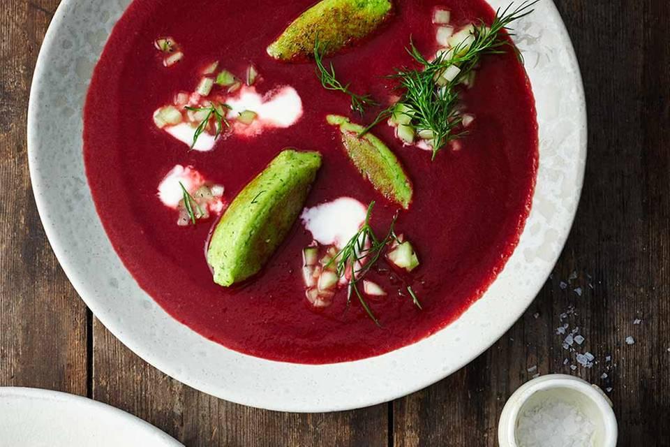 Rote-Bete-Suppe mit Grießnocken Rezept
