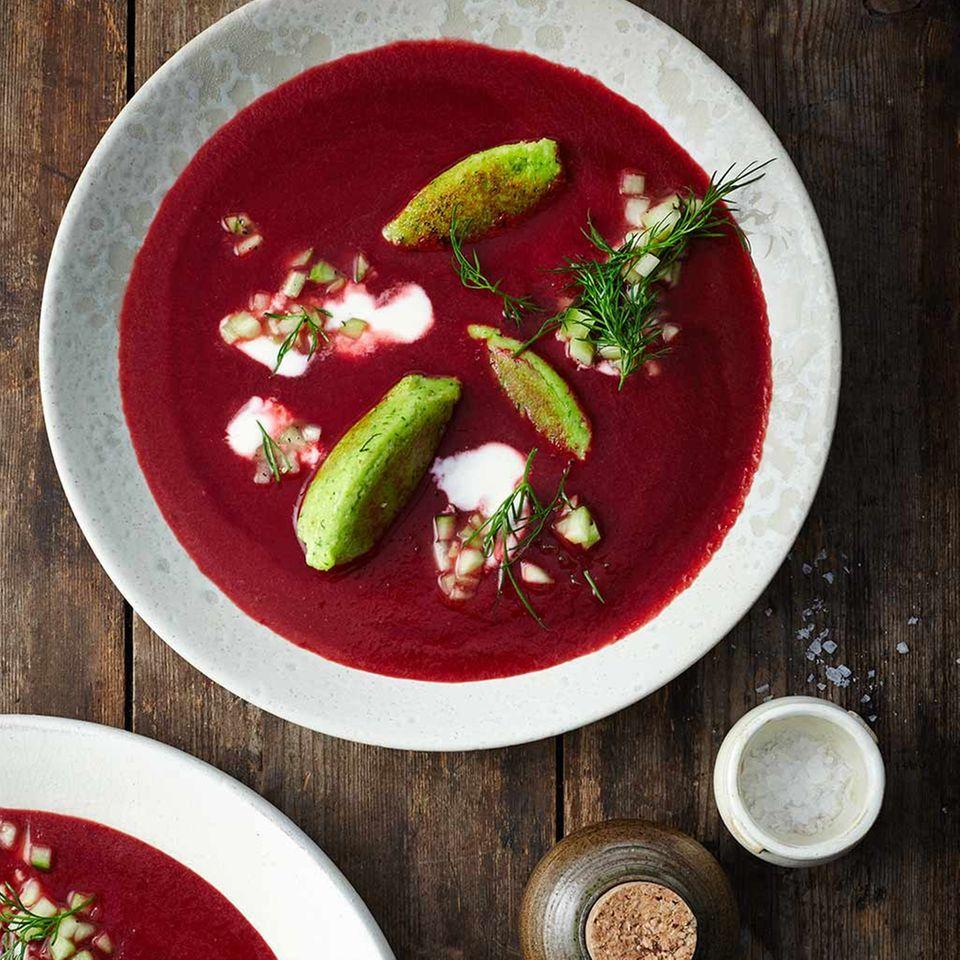 Rote-Bete-Suppe mit Grießnocken