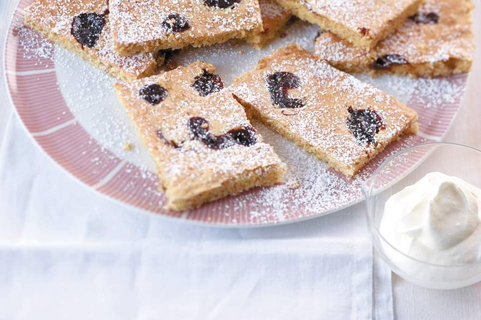 Pflaumenmus-Mandelkuchen  Rezept