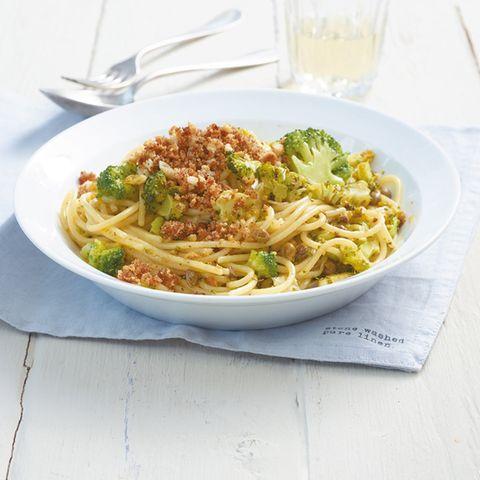 Broccoli-Spaghetti mit Bröseln