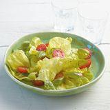 Salat mit Sirup-Dressing