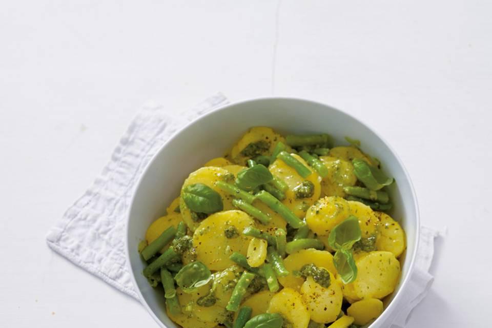Kartoffelsalat mit Pesto und Bohnen  Rezept