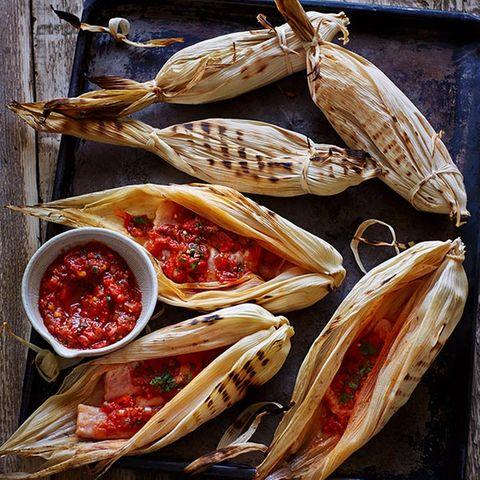 Rotbarsch im Maisblatt mit Chipotlesauce