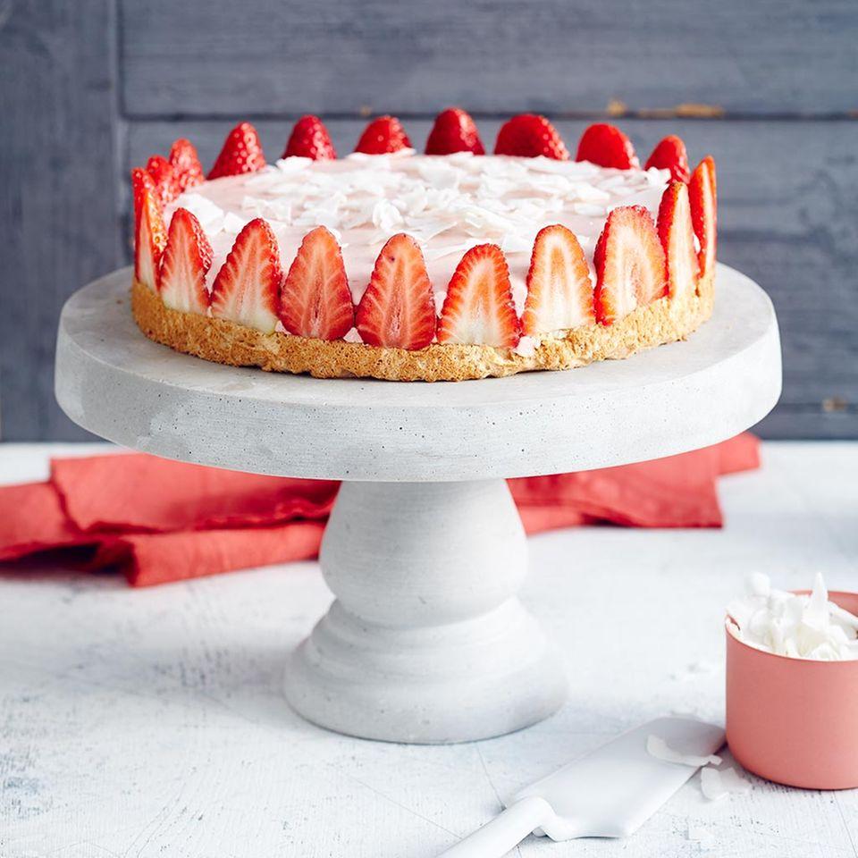 Erdbeer-Kokos-Torte mit Limette