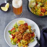 Gebackenes Kalbsbries mit Paprika-Kartoffel-Salat
