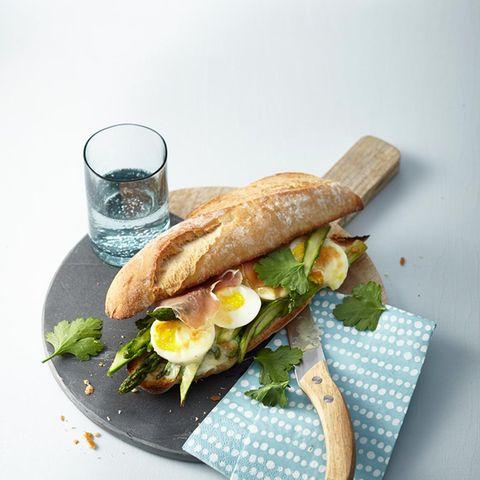 Spargel-Schinken-Sandwich