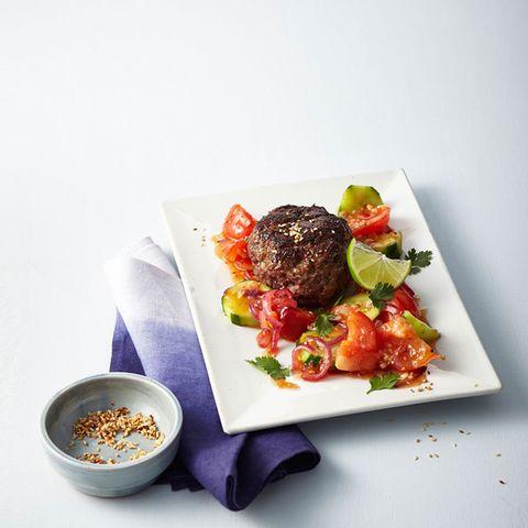 Beefsteaks mit süßsaurem Gemüse