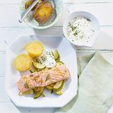 Lachs mit Zucchini und Dillcreme