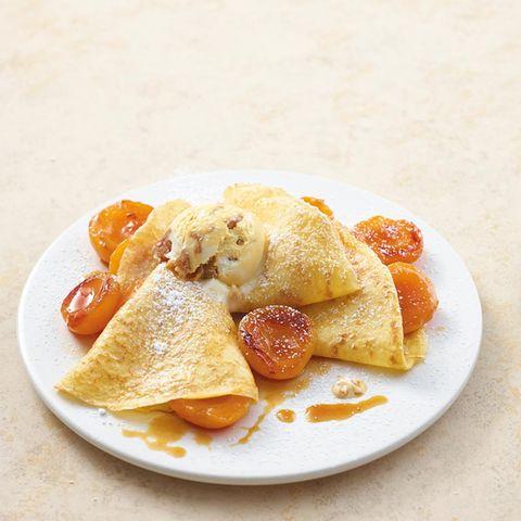 Pfannkuchen mit Karamell-Aprikosen-Füllung