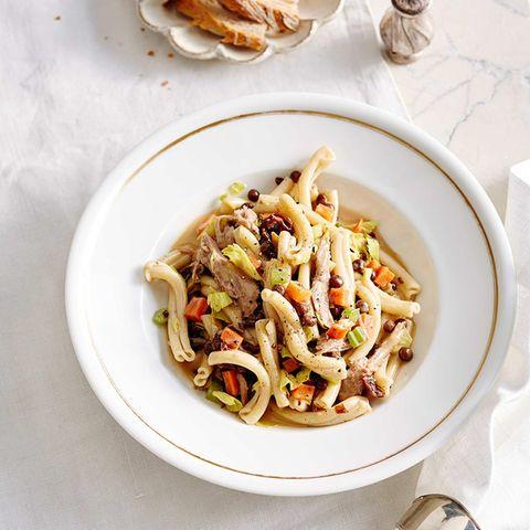 Kalbs-Sugo mit Pasta und Wilderbsen