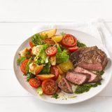 Tomaten-Nektarinen-Brot-Salat