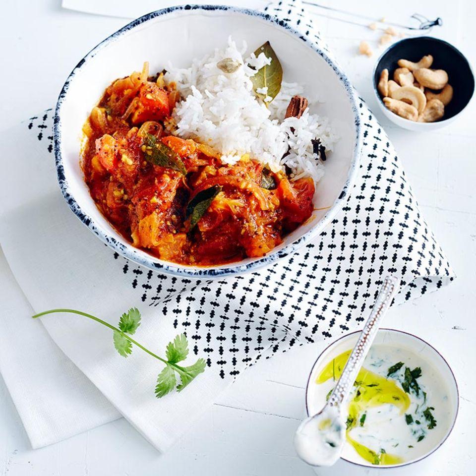 Tomatencurry mit Gewürzreis