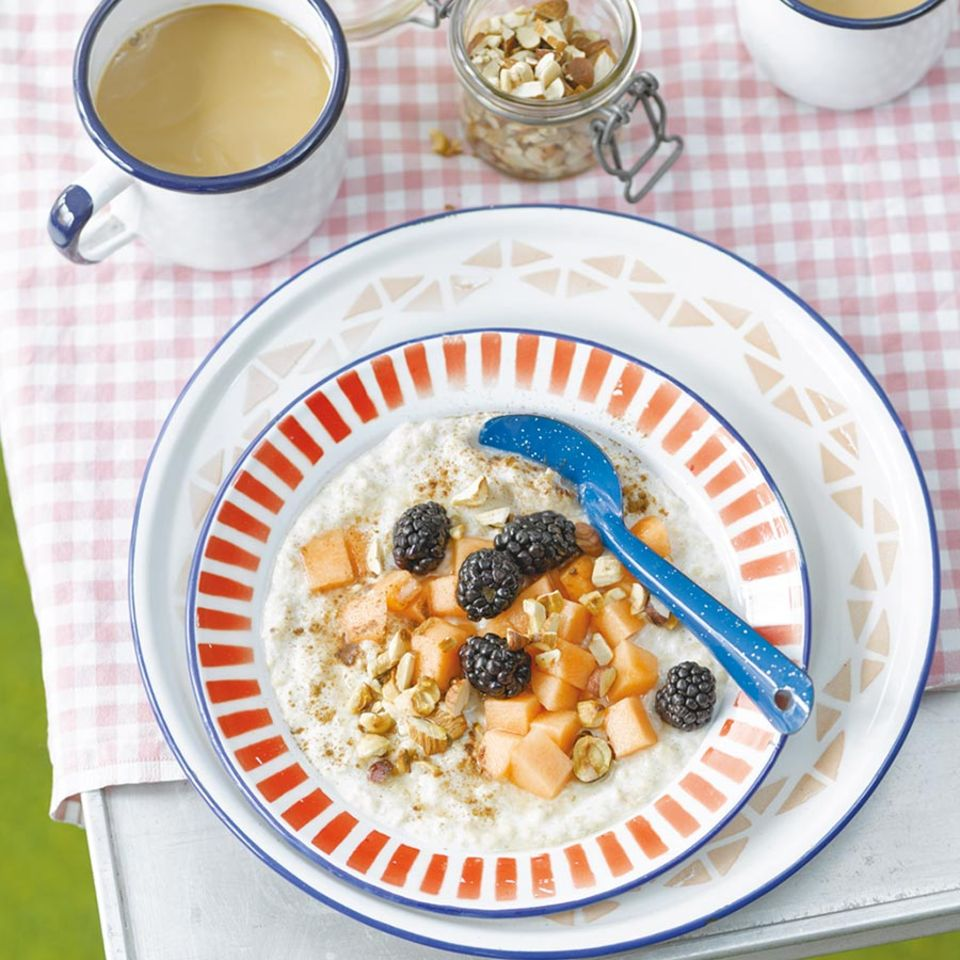 Porridge mit Früchten