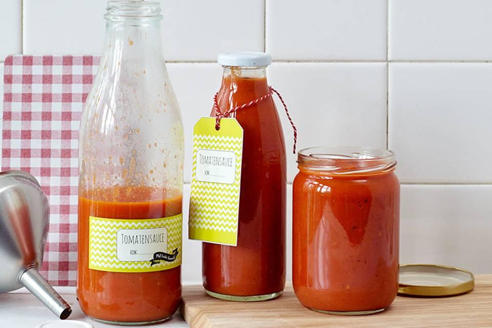 Tomaten einkochen: leckeres Rezept für Tomatensauce