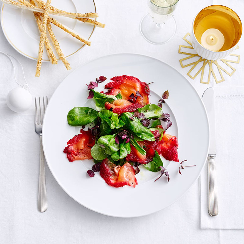 Graved Lachsforelle mit Salat