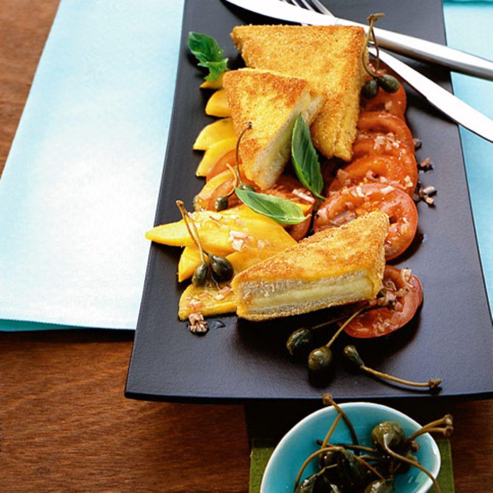 Gebackener Mozzarella mit Mangosalat