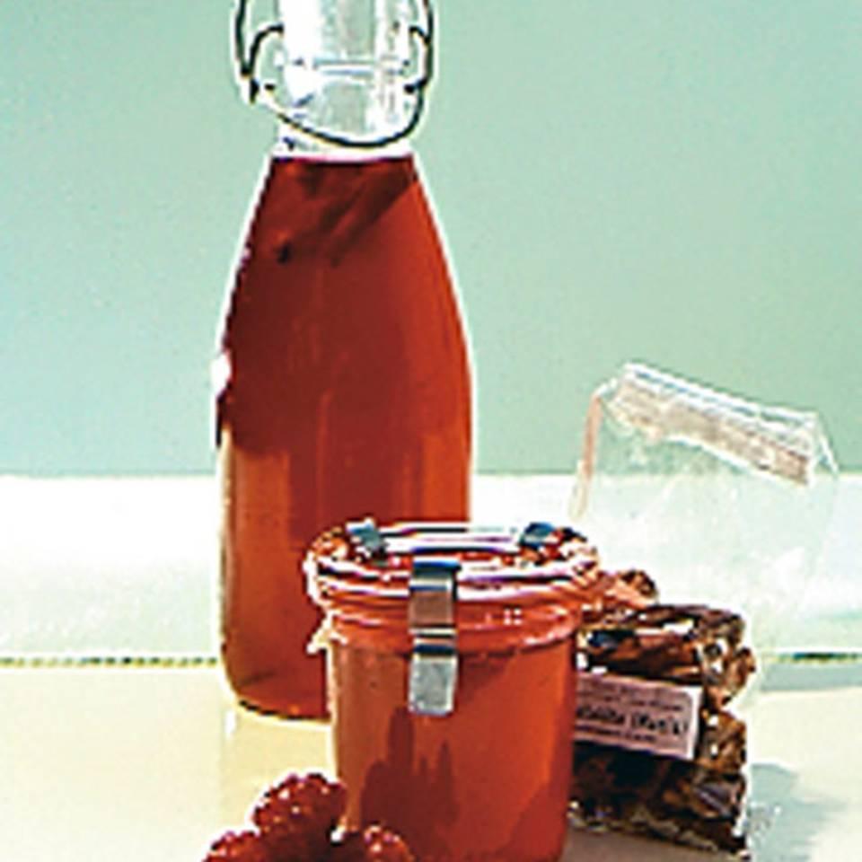 Himbeersirup und -gelee mit Macis Rezept