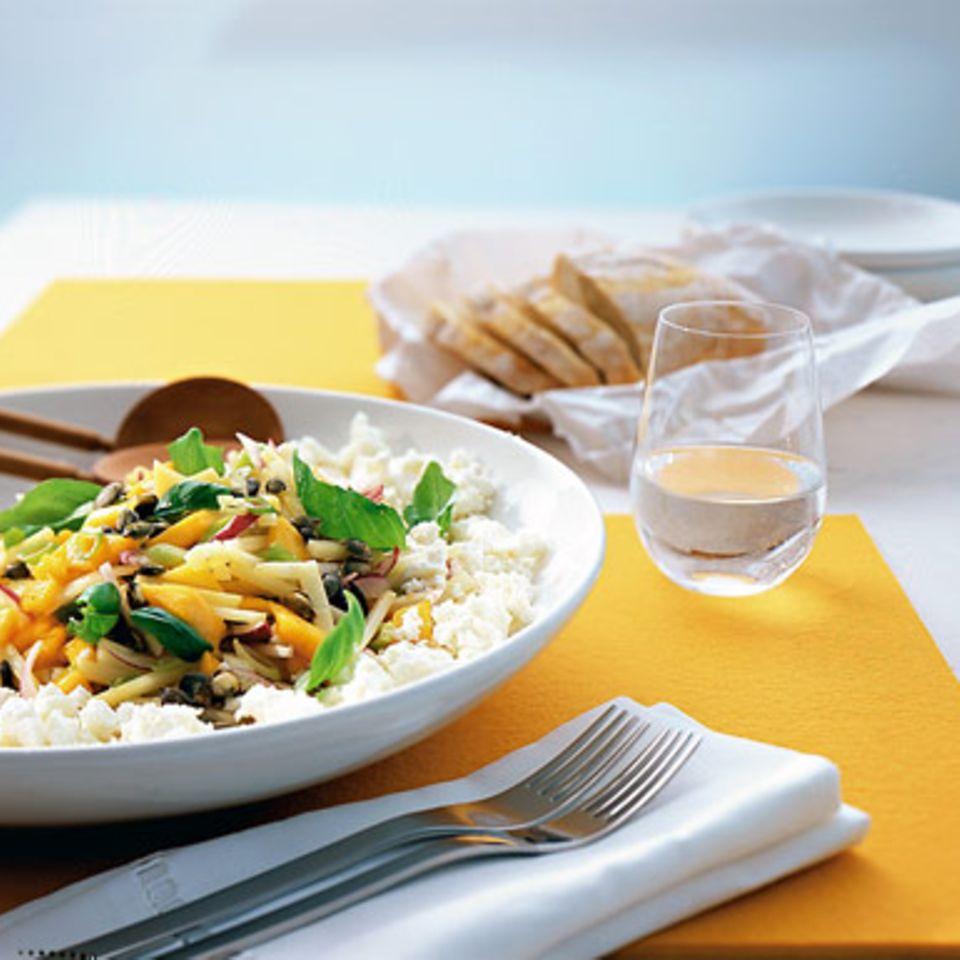 Steckrüben-Mango-Salat