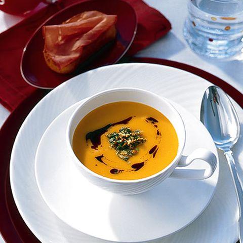 Kürbis-Kartoffelsuppe mit Orangen-Gremolata