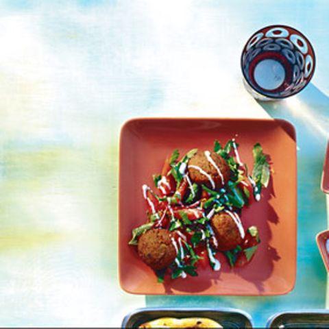 Falafel mit Tomaten-Petersilien-Salat
