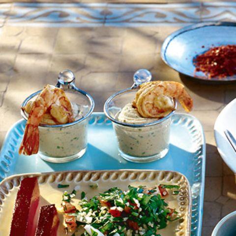 Koriander-Hummus mit Orangen-Garnelen