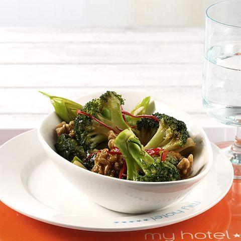 Walnuss-Broccoli