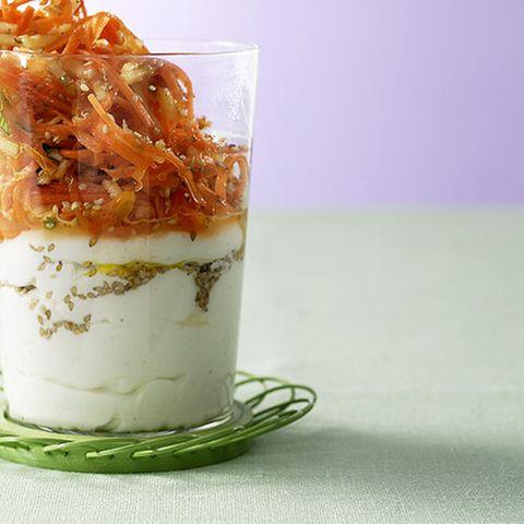 Möhrenrohkost mit Ziegenjoghurt