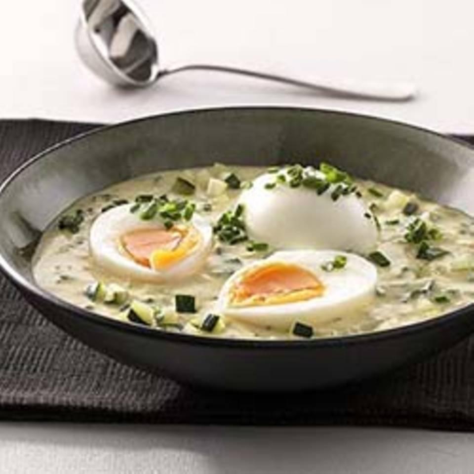 Eier mit Zucchini-Senfsauce Rezept