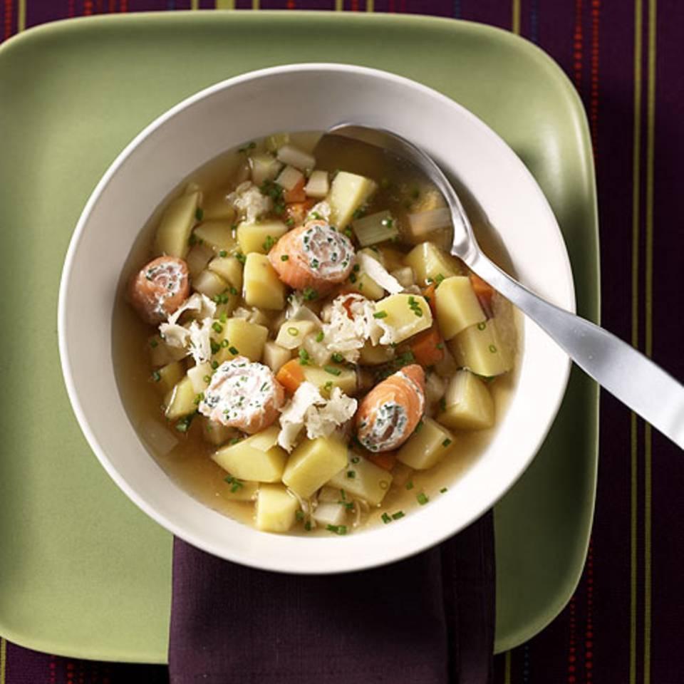Kartoffelsuppe mit Lachsröllchen Rezept