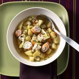 Kartoffelsuppe mit Lachsröllchen