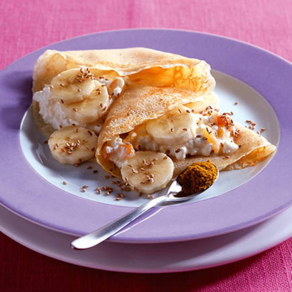 Crêpes mit Bananen und Hüttenkäse Rezept