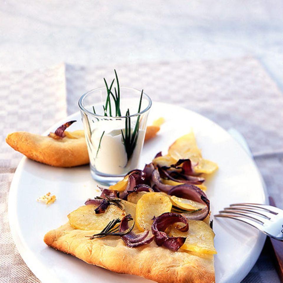 Kartoffel-Zwiebel-Pizza