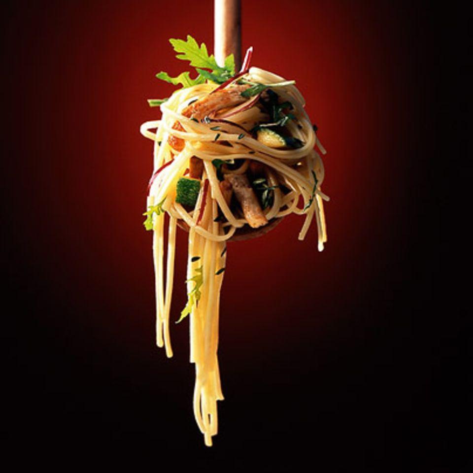 Linguine mit Zucchini und Pute