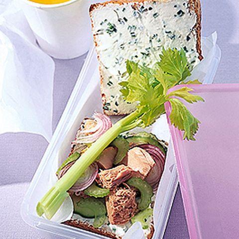 Thunfisch-Gurken-Sandwich